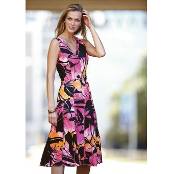 directory for finding plus size retailers for women's clothing
